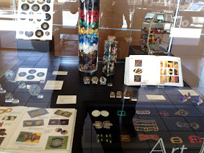 Photo: Buckles, button Books, Arts & Crafts, Enamels, Glass, Case of bakelite buttons