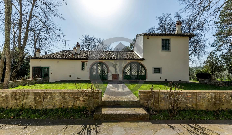 Corps de ferme avec jardin et piscine Florence