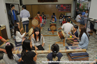 Photo: 【平成24年(2012) 太鼓開き】  太鼓開き。本年の初稽古。例年以上に参加する子供が増えました。