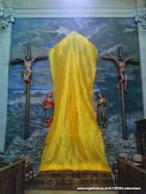 Photo: Symbol der Passionszeit – das verhüllte Kreuz