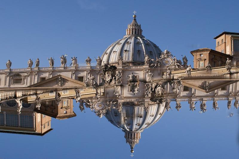 San Pietro Capovolto di cesare carusio