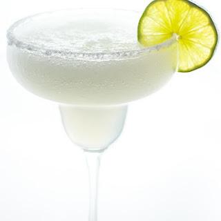 Best Skinny Margarita Recipe (Sugar-free Low Carb Paleo Margarita).