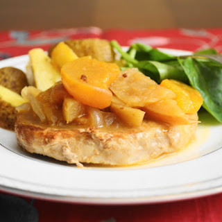 Apple Peach Braised Pork Chops