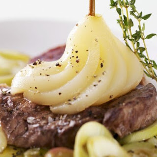 Peppery Steaks with Fruit