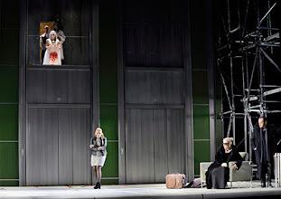 Photo: Theater an der Wien: La mère coupable Oper in drei Akten von Darius Milhaud . Premiere am 8.5.2015. Irine Mrocik, Theresia Gabriel, Mireille Delunsch, Andrew OwenCopyright: Barbara Zeininger