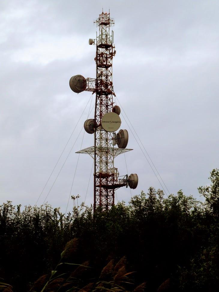Rábaszentandrás - URH-FM adóállomás