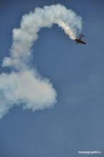 Photo: autre beau moment de voltige avec le Mudry Cap 232 (descendant des Cap 10, 20, ....) avion Français des années 90, champion du monde de voltige,
