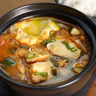 Korean Kimchi Tofu Soup (Soondubu Jjigae).
