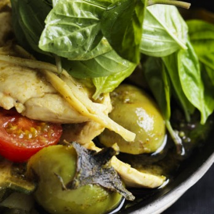 Green Curry Of Chicken Breast And Bamboo Shoots