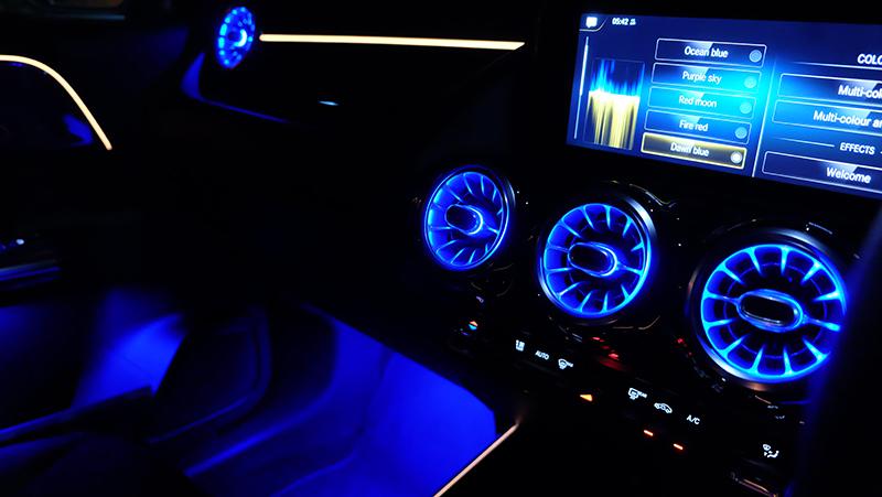 จุดเด่นของรถยนต์ : Mercedes Benz GLA 200 AMG Dynamic 03