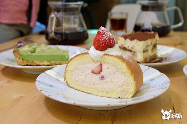 彰化員林 松果咖啡|溫馨的小空間裡,有著好吃的手作甜點及好喝的咖啡等著你光臨