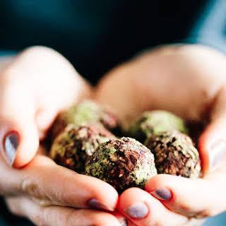 Detoxifying Matcha Green Tea Chocolate Balls.