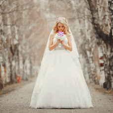 Wedding photographer Anatoliy Karasov (KarasovFoto). Photo of 07.02.2014