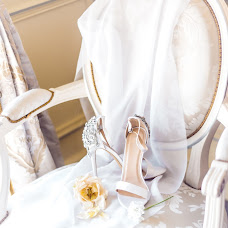 Wedding photographer Lena Kos (Pariswed). Photo of 03.12.2018