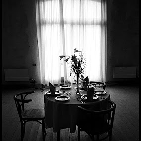 Table d'Amis 1 by Fernand De Canne - Buildings & Architecture Other Interior ( tables, interior, black and white )