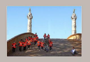 Photo: Quinconces- colonnes rostrales et pont éphémère