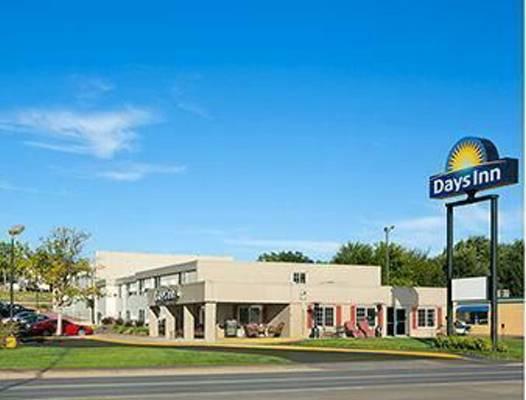 daysinn&suiteshotelforsale