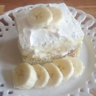 Bananas & Cream Layered Pound Cake Dessert