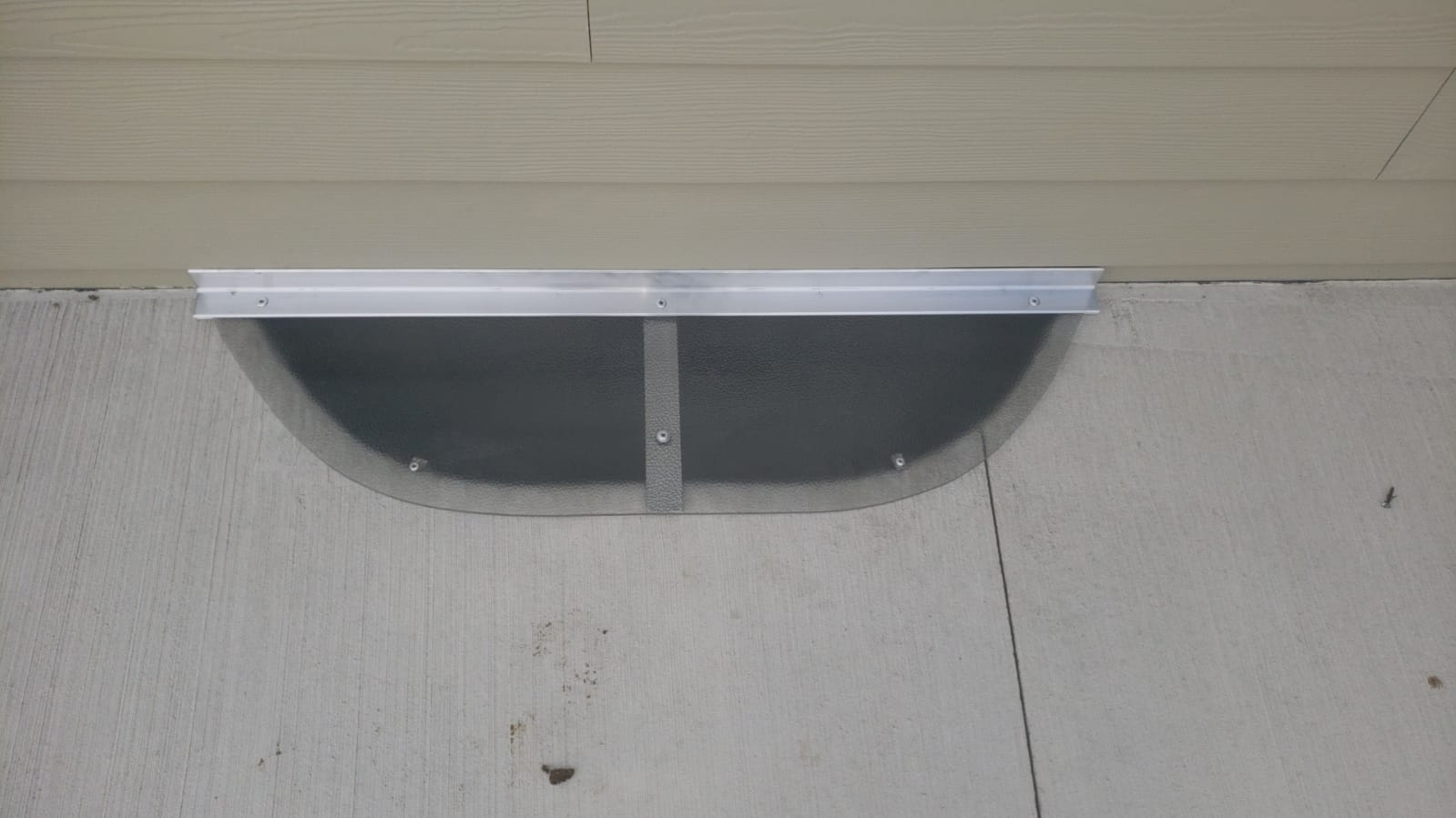 River Forest, IL-HandyManny Custom Window Well Covers