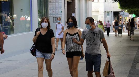 Almería vuelve a las cifras de sus peores meses: 152 positivos en solo 24 horas