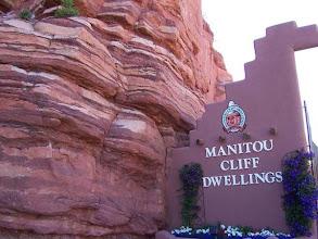 Photo: vstup do Manitou Cliff Dwellings