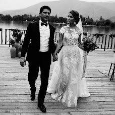 Wedding photographer Vasiliy Tikhomirov (BoraBora). Photo of 26.09.2017