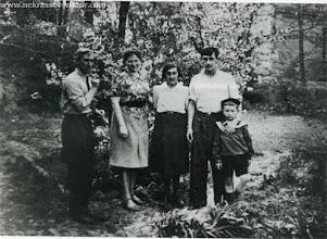 Photo: И.А. Сац, Д.З. Крупицкая, З.Н. Некрасов, В.П. Некрасов, З.А. Рохлин, Киев, 1948. Фотография А.С. Рохлина