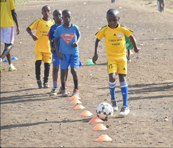 Kariobangi South Academy players in one of their training sessions.