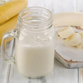 Simple Banana Smoothie- 3 Ingredients.