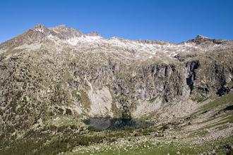 Photo: Aigüestortes: estany Redó amb el Gran Tuc de Colomèrs (esq)