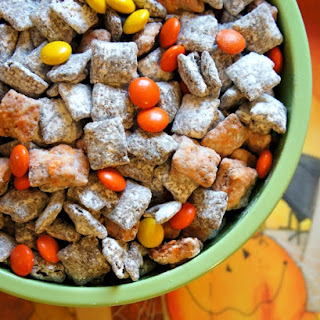 Halloween Muddy Buddies Party Mix