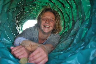 Photo: Un nouveau métier : nettoyeuse de tunnel