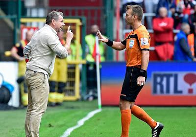 """Le coach de Mouscron était furieux sur le premier but : """"Il y a d'autres règles en Belgique?"""""""