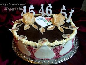 Photo: Piros tésztás pezsgőhab torta