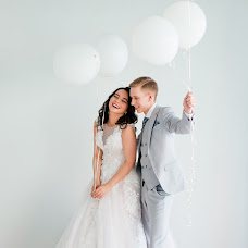Wedding photographer Dina Romanovskaya (Dina). Photo of 09.02.2018