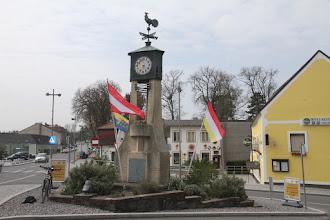 Photo: Bad-Deutsch-Altenburg je kúpeľným mestečkom