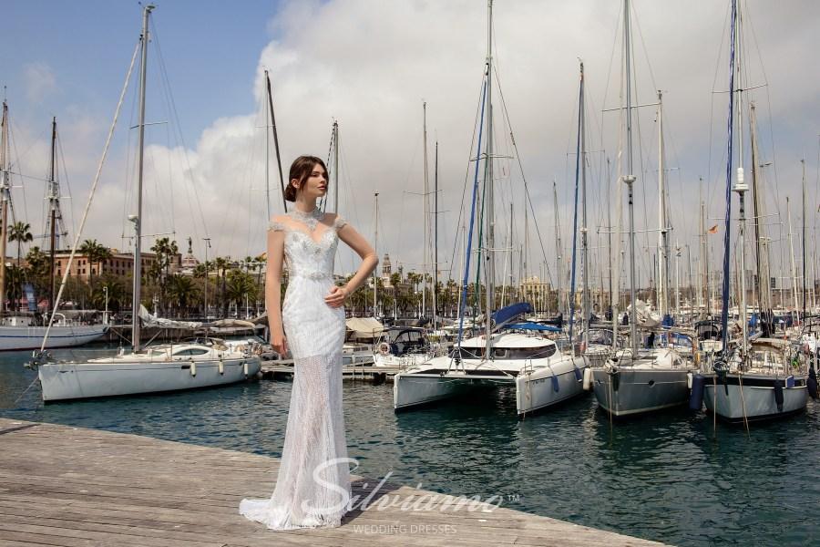 Полупрозрачное свадебное платье