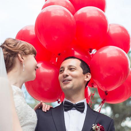 Wedding photographer Sergey Globenko (WithoutWords). Photo of 15.08.2017