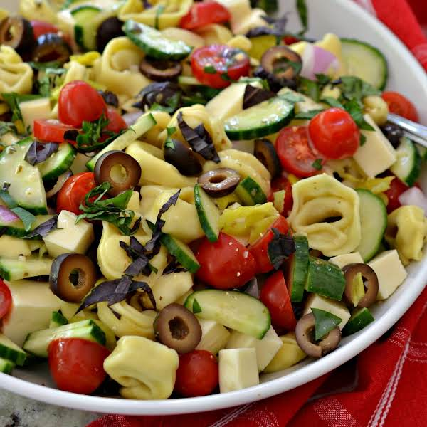 Scrumptious Tortellini Pasta Salad Is A Quick And Easy Veggie Filled Flavor Packed Side That Goes With All Your Grilled Favorites.