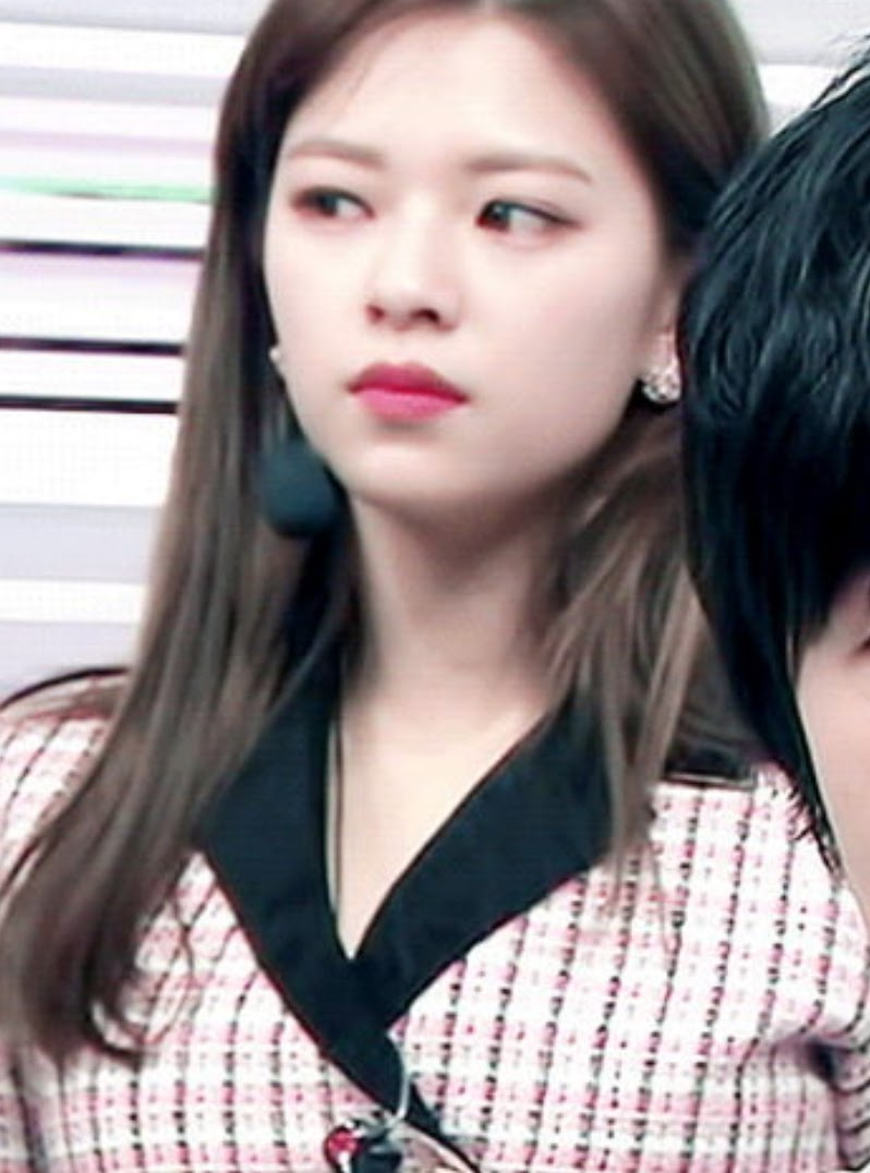 The New Length And Volume Of Twice Jeongyeon S Hair Is
