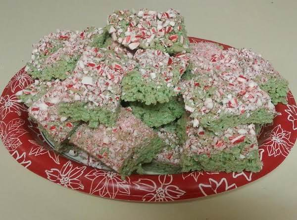 Festive And Minty Candy-cane Rice Kripy Treats!