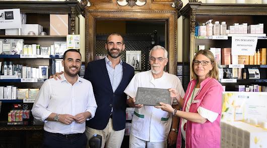 """Reconocimiento a la Farmacia Durbán por ser """"un emblema de la ciudad"""""""