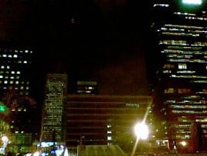 Photo: Torre Picasso al fondo. No se es el lider por toda la vida :-)