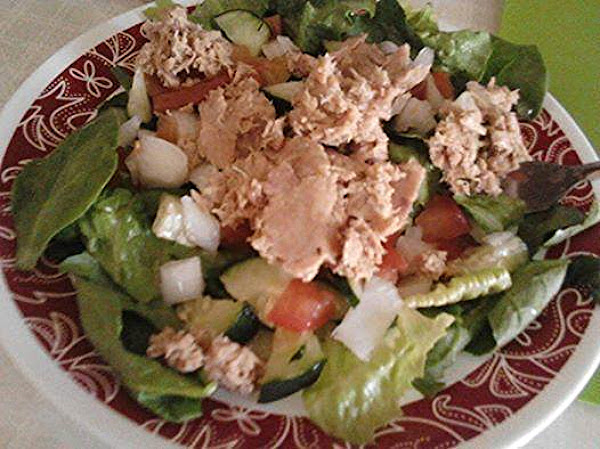 Spinach Romaine Salad With Tunafish Recipe