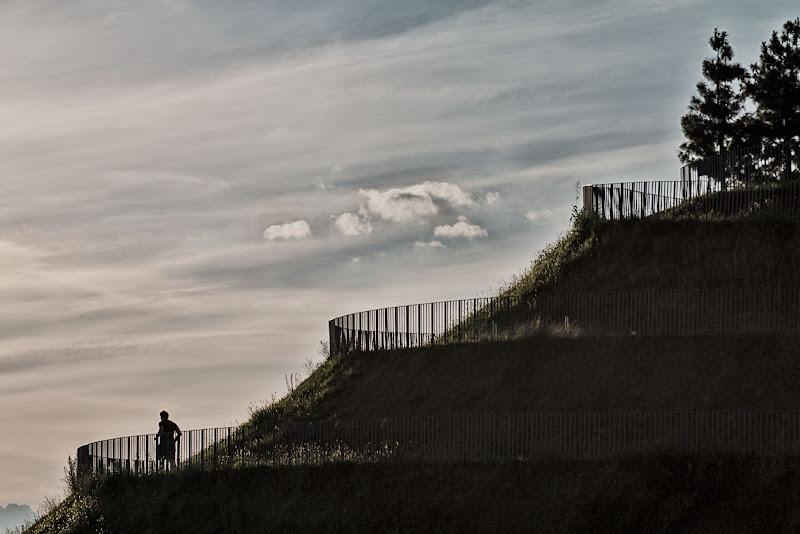 Runner sulla collinetta di zucco