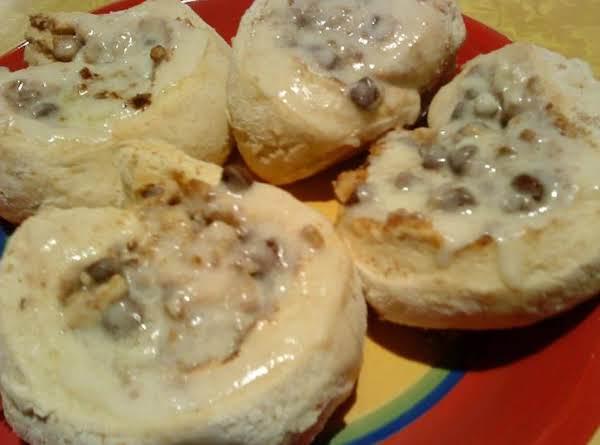 Chocolate Chip And Walnut Cinnamon Rolls Recipe