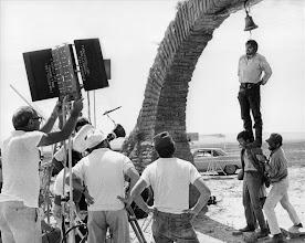 """Photo: Os bastidores da cena de flashback de Charles Bronson em """"Era uma Vez no Oeste"""". Pendurado na corda está Claudio Mancini, diretor de produção do filme e que faz um """"cameo"""" nesta cena crucial do filme."""