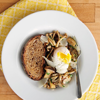 Simple SautéEd Mushrooms with Poached Egg Recipe