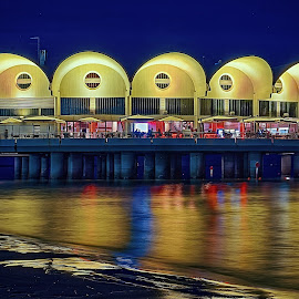 Terrazza a mare by Michaela Firešová - Buildings & Architecture Other Exteriors ( lignano, reflection, restaurant, night, sea )