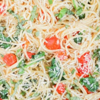 One Pot Pasta with Fresh Tomatoes and Spinach.